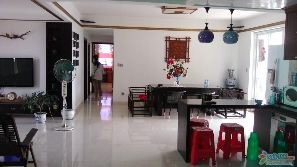 开放式厨房及饭厅